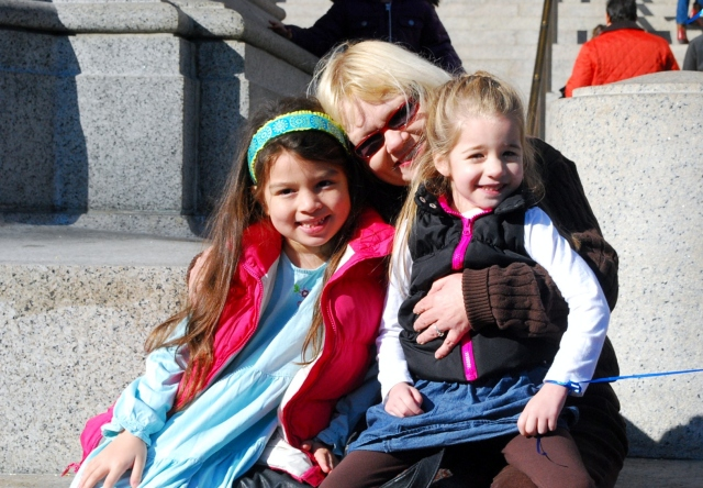 emma, me, olivia at the TR statue